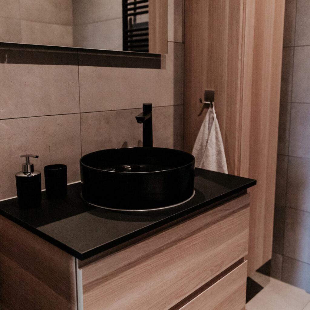 Vakantiewoning Onder de Schoppe beschikt over een luxe badkamer.