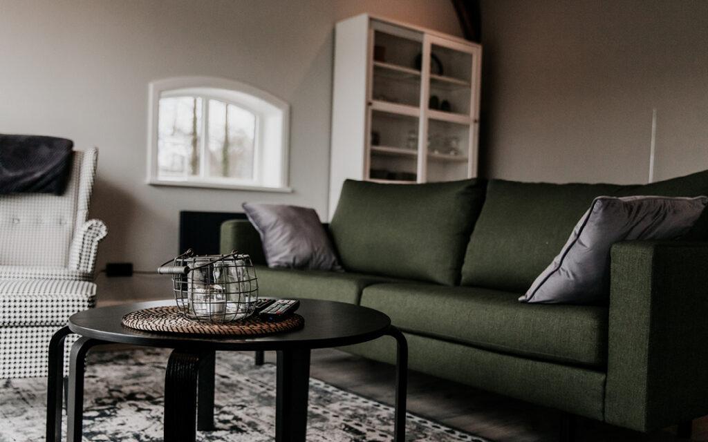 Vakantiewoning Onder de Schoppe beschikt over een ruime woonkamer.
